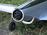 motor PJS3D1000 v trupu Mustanga